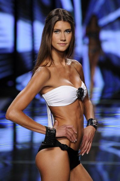 Sexy Bikini Fashion Show Pictures