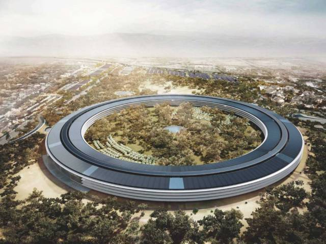Apple's Newly Built $5 Billion Campus Looks Like A Space Ship From The Height Of Drone's Flight