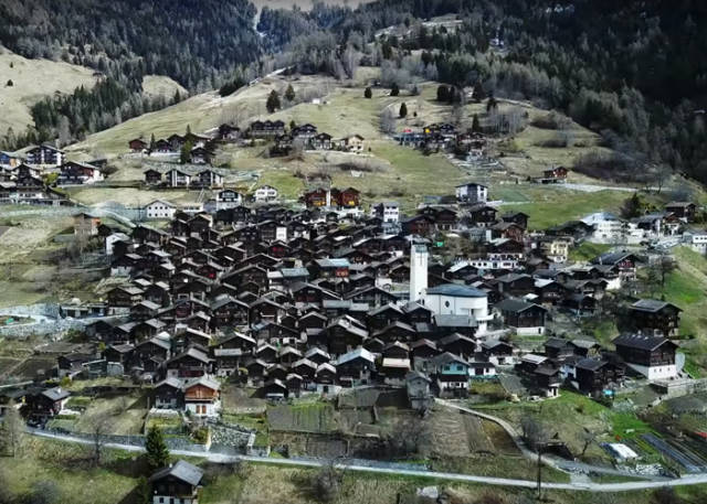 This Swiss Village From A Dream Will Pay You For Moving In