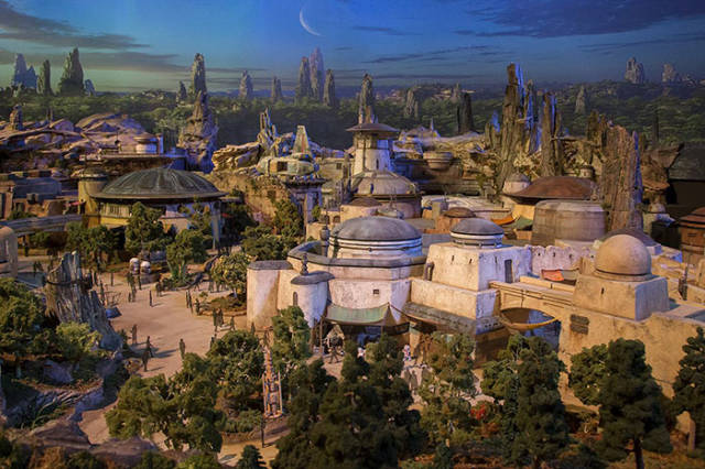 Disney Is Constructing Two Star Wars Theme Parks For $2 Billion, And They Seem To Be Totally Worth It