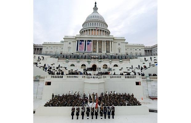 Military uses Barack Obama stand-in at the dress rehearsal for presidential inauguration (9 photos)