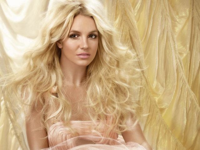A little photoshot with Britney Spears (9 photos)