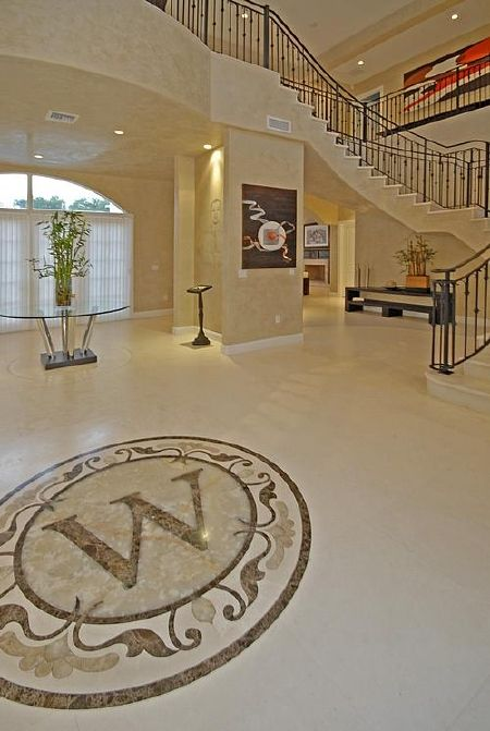 Dwyane Wade's house in Miami. Not bad the place for an NBA star (14 photos)