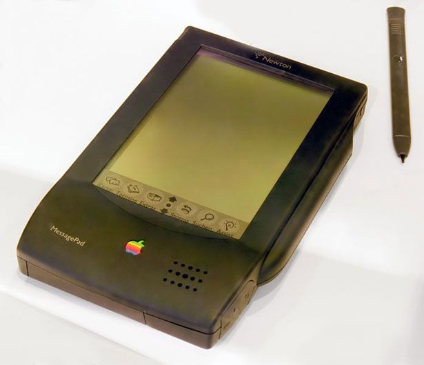 25 years of Apple evolution in pictures (97 photos)