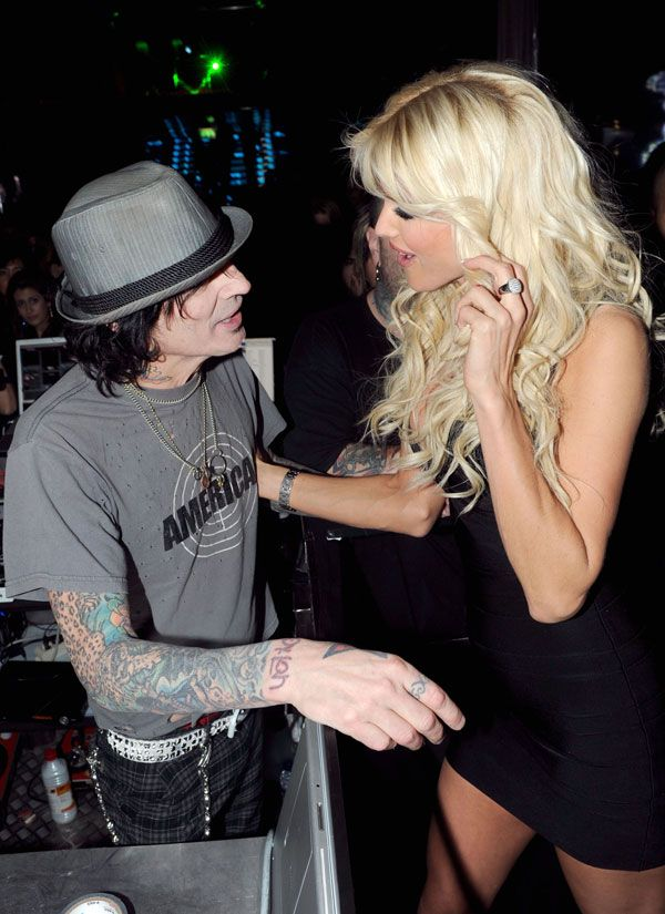 Tommy Lee and Victoria Silvstedt (9 photos)