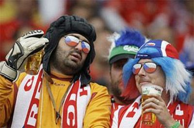 The craziest sport fans ever (28 photos)