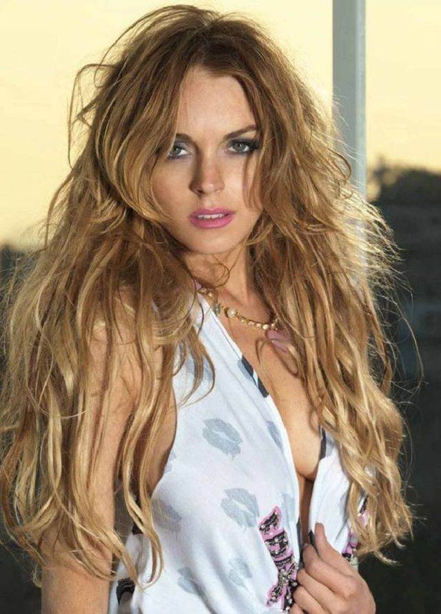 Lindsay Lohan can be so different (10 photos)