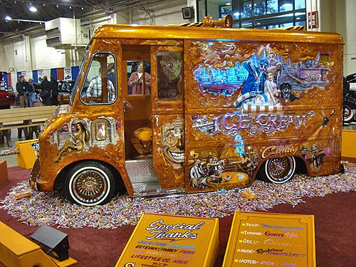 Cool ice cream truck (8 photos)