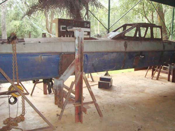 Terrorists started building submarines (5 photos)