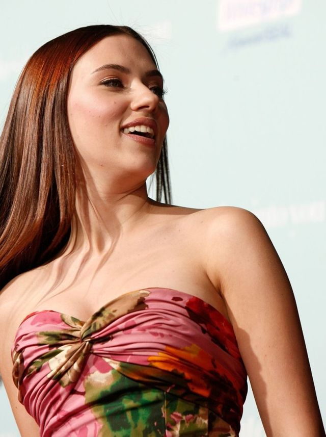Scarlett Johansson have changed her style. I liked her more before  ((  (6 photos)