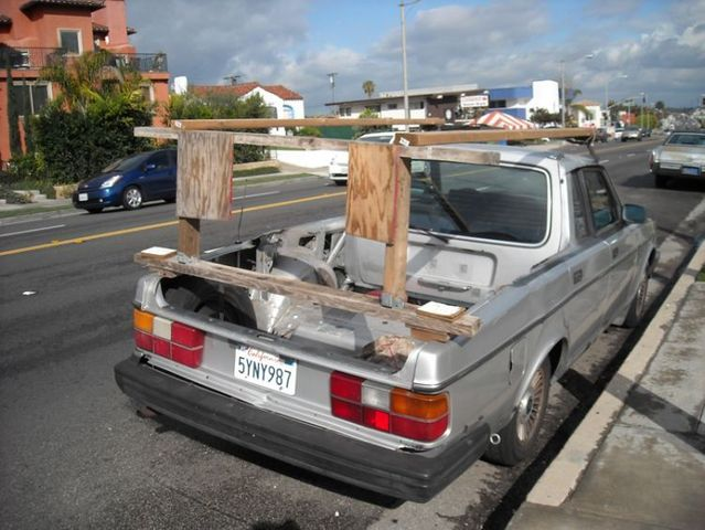 Heheh )) Somebody has totally pimped his Volvo (5 photos)