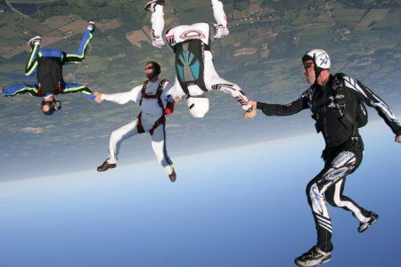 Awesome pictures of skydiving (16 photos)