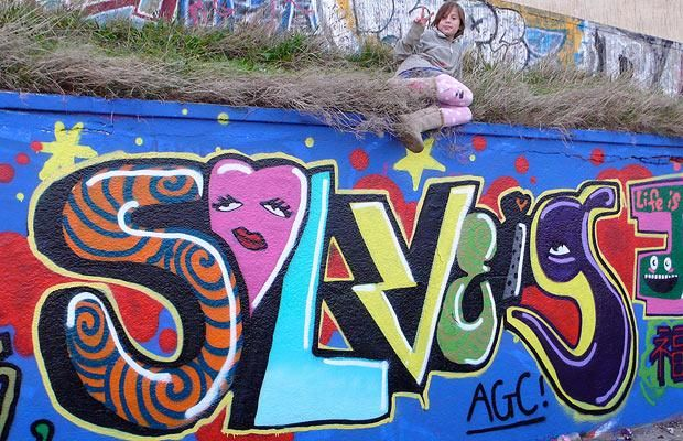 Nice graffiti made by a 10 y.o. girl (12 photos)