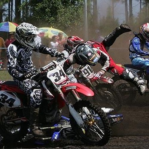Motocross incidents (17 photos)