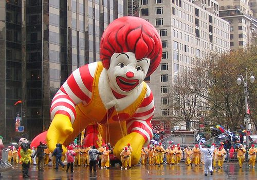Most terrifying pictures of Ronald McDonald (18 photos)
