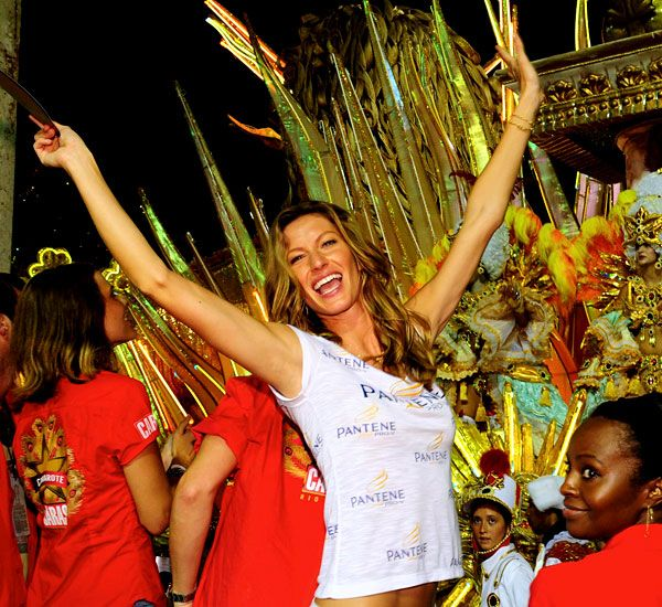 Celebrities at the Carnivals (Rio, New Orleans) (41 photos)