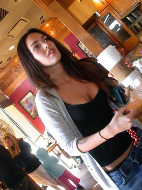 Megan Fox loves good bean (15 photos)