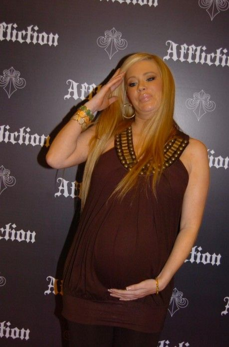 Jenna Jameson is very very pregnant (6 photos)