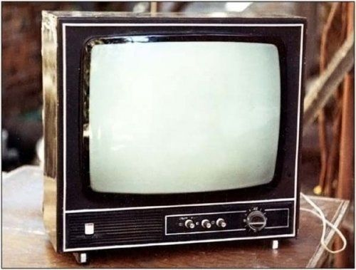 Collection of vintage TV sets (40 photos)