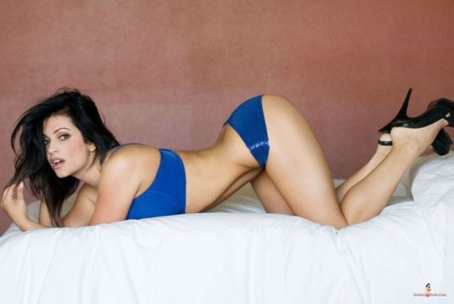 The most famous internet model Denise Milani (20 photos)