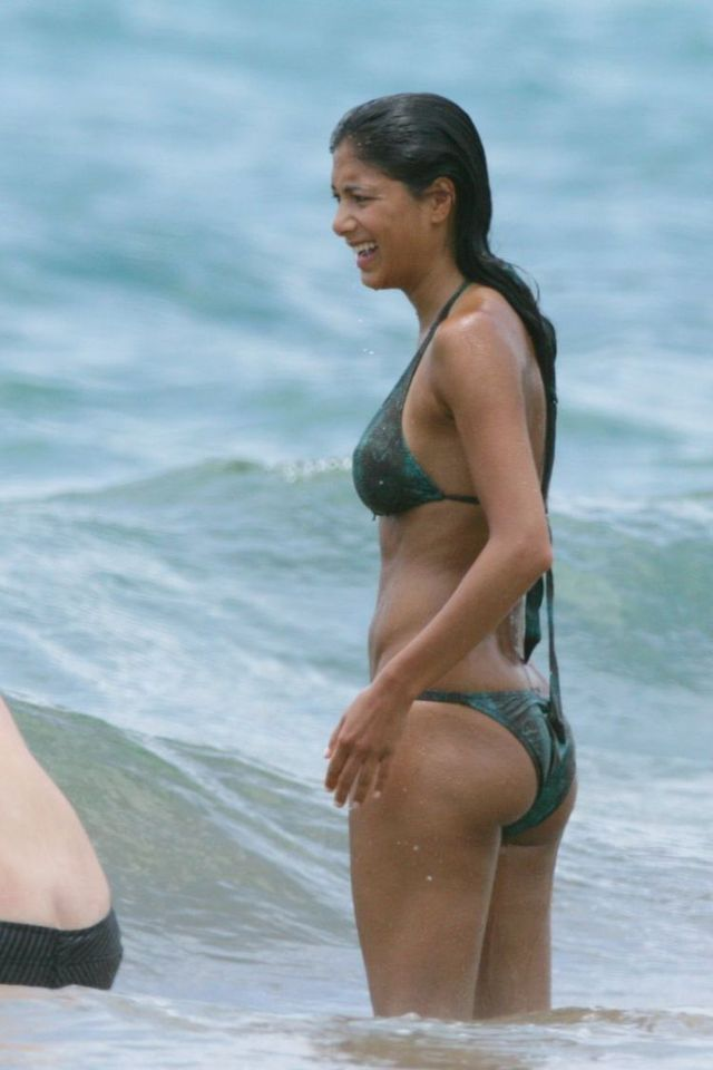 Nicole Scherzinger on the beach (32 photos)
