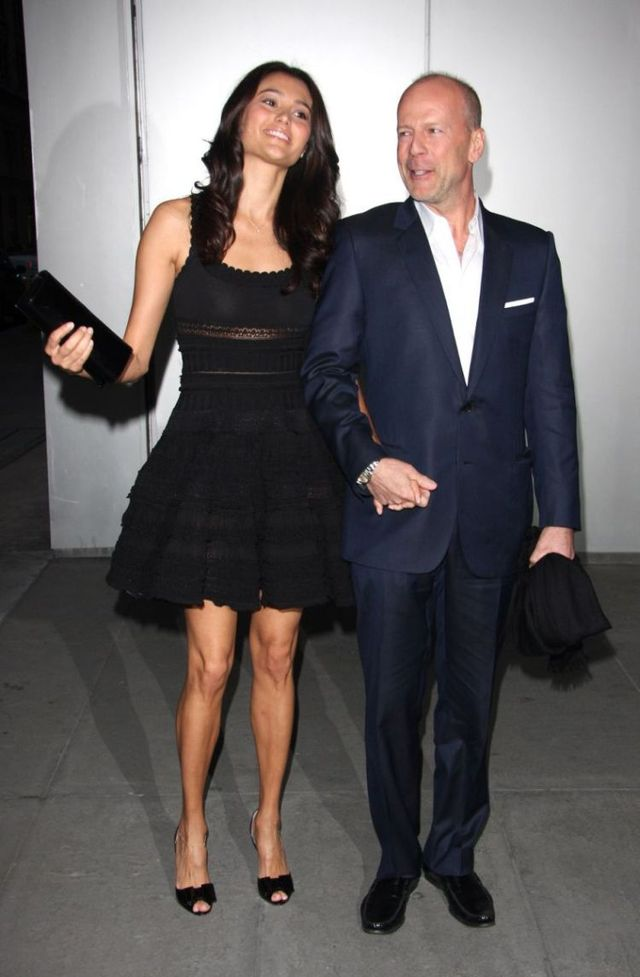 New wife of Bruce Willis (9 photos)