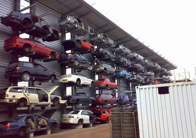 Car dump in Germany (4 photos)