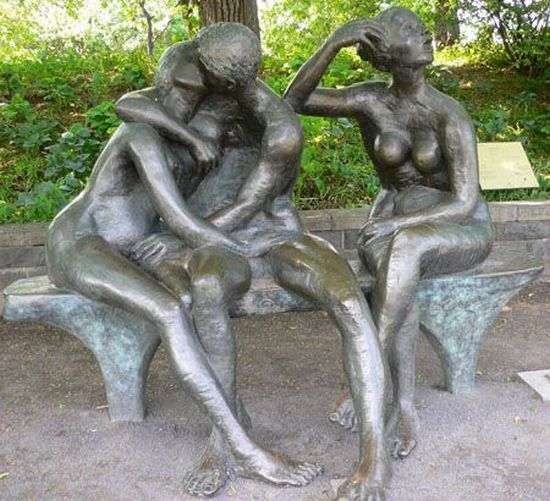 Very weird statues. Is that porn? (13 photos)
