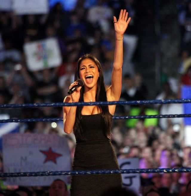 Nicole Scherzinger gets sexy for wrestling (7 photos)