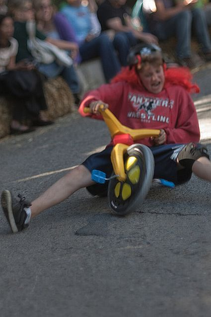 Most funny and unusual race (35 photos)