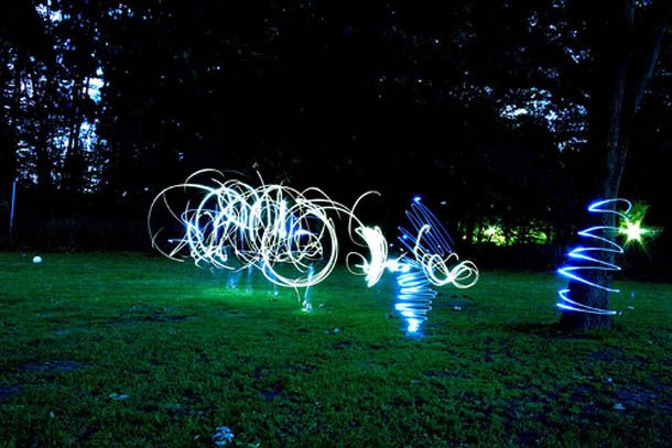 Light Graffiti. I still can't understand how they do it ;) (24 photos)
