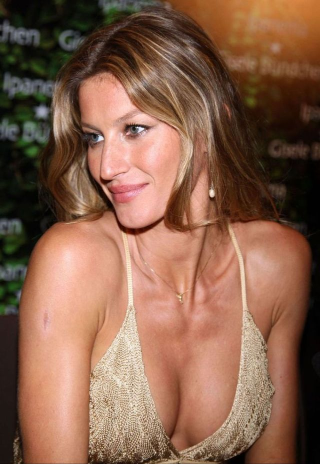 Gisele Bundchen (9 photos)