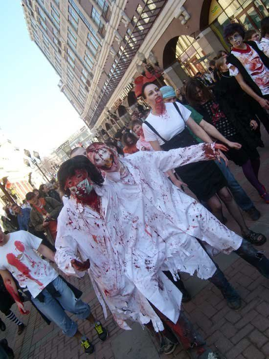Zombie march in Moscow (10 photos)