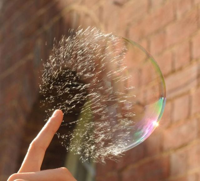 Bursting clean bubbles (9 pics)