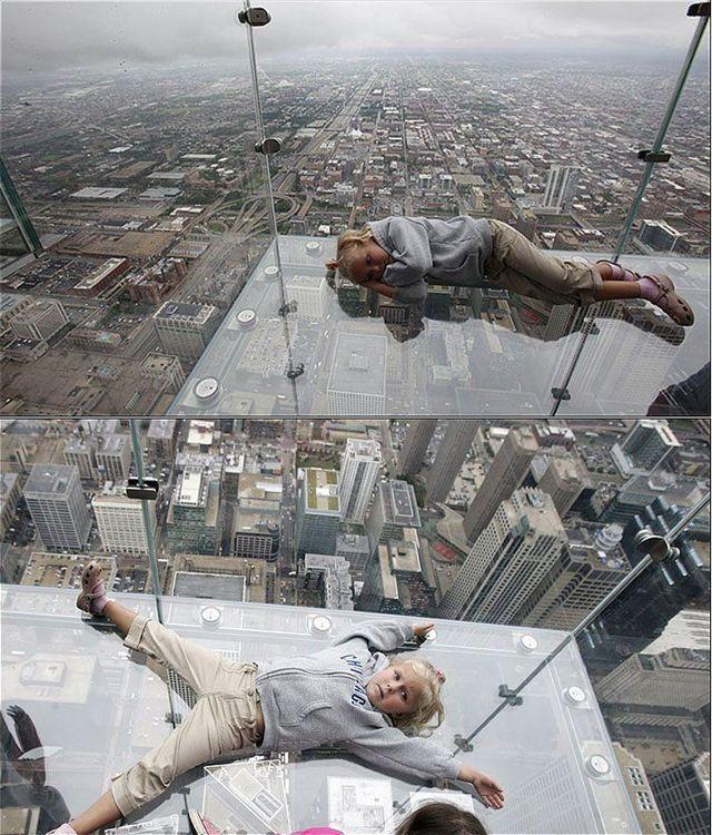 صور بلكونة شفافة في الدور 103لا يفووووتكم Sears_tower_balconies_13