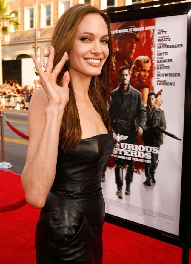 angelina jolie 02 - Angelina Jolie