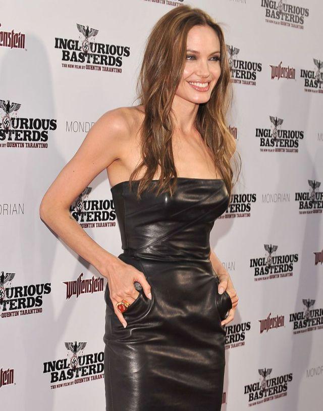 angelina jolie 09 - Angelina Jolie