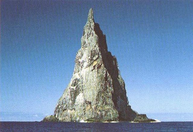 balls pyramid 04 - Ball's Pyramid