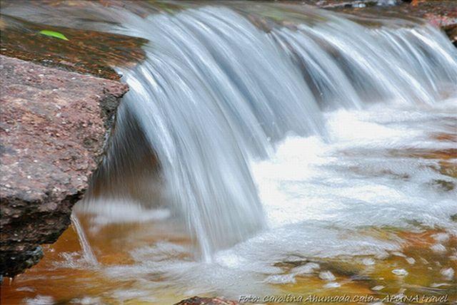 نهر Cano Cristales وهو يعتبر أجمل و أروع نهر في العالم Rainbow_river_16