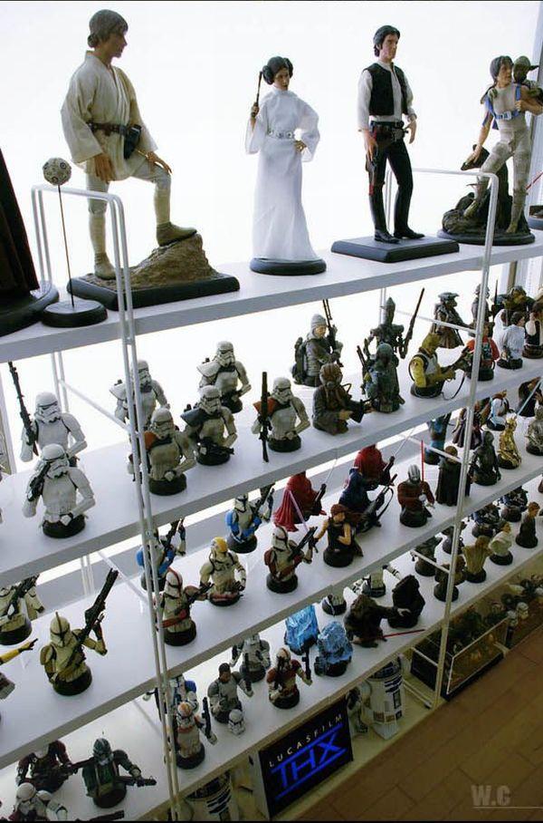 una coleccion de star wars Incredible_star_wars_collection_16