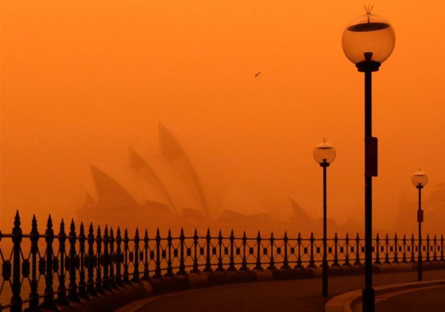 dust storm 13 - Sand storm in Sydney