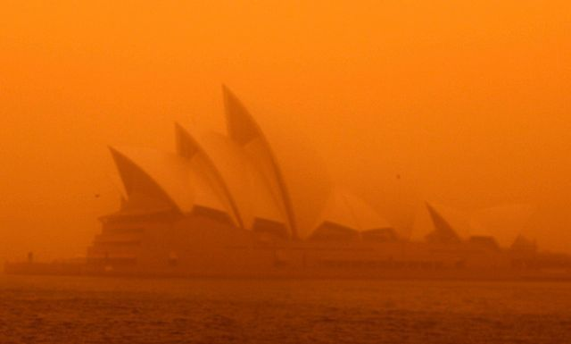 dust storm 16 - Sand storm in Sydney