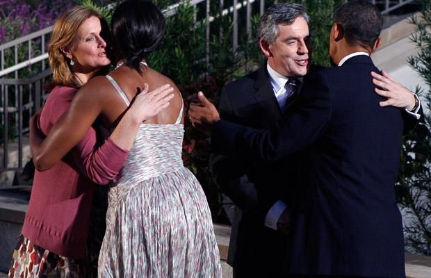 Berlusconi is the only one who won't have Michelle Obama's hugs! (10 pics)