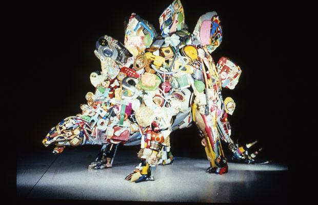 Amazing and creative junk sculptures wiresmash for Useful things to make out of recycled materials