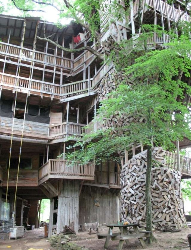 largest treehouse in the world 25 pics