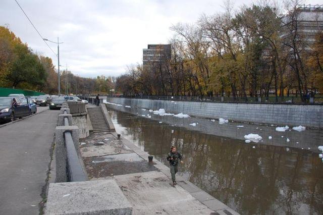 river foam 08 - A river full of foam