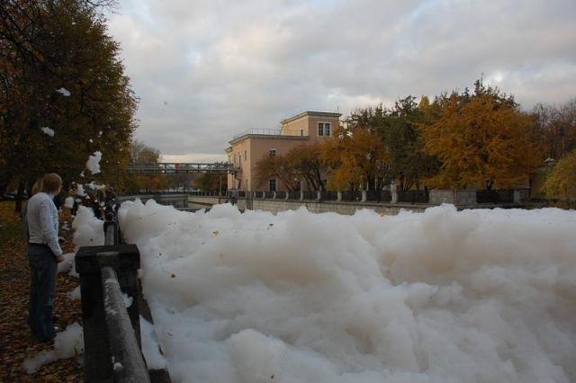 river foam 22 - A river full of foam