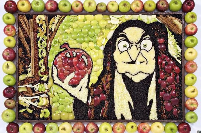 Apple Art (4 pics)