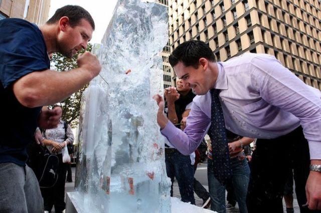 Frozen Money (10 pics)