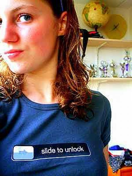 Creative T-Shirts for iPhone Lovers (7 pics)
